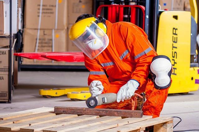 Zdrowie w pracy, czyli które szkolenia BHP są obowiązkowe, które dodatkowe?