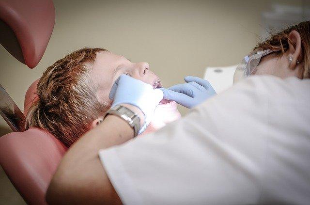 zabieg u dentysty w narkozie